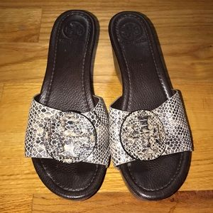 Tory Burch wedged in snakeskin size 8